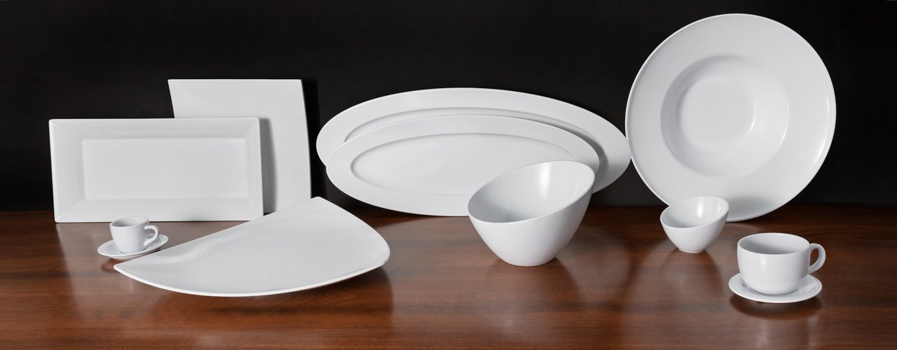 Choose stylish and cost effective plastic dinner sets